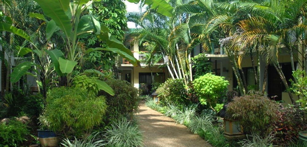 Bay Village Tropical Retreat Image 2