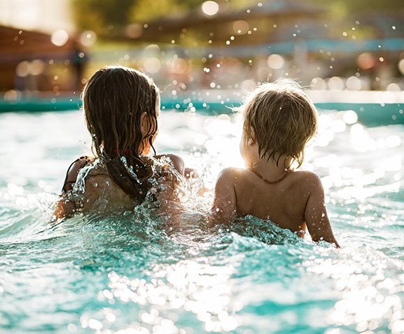 Noosa Lakes Resort With Dolphin Safari Image 3