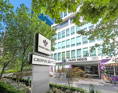 Park Regis Griffin Suites - Gallery Image