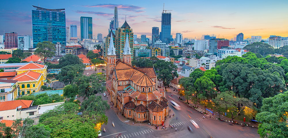 Voyage to Singapore, Bangkok & Vietnam Image 1