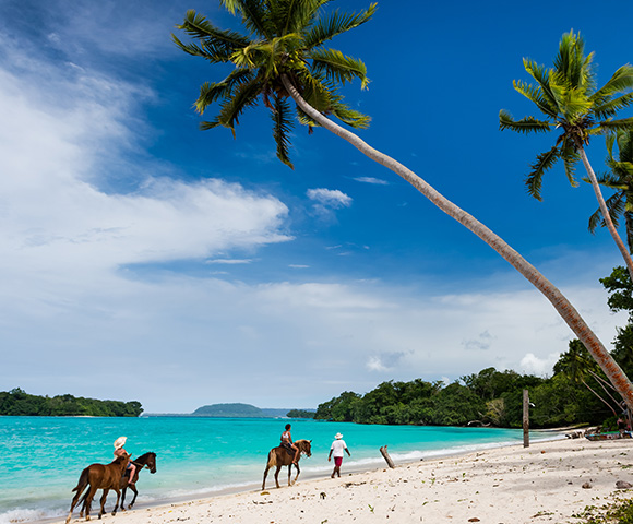 Luxury South Pacific & Fiji Fly-Cruise Image 3