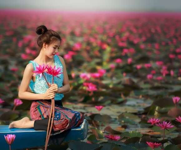 Captivating Thailand & Vietnam Image 1