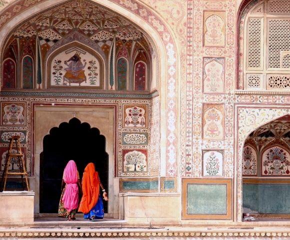 India's Golden Triangle & Grand Voyage to Dubai Main Image