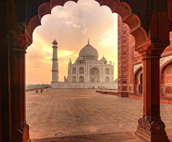India's Golden Triangle & Grand Voyage to Dubai Image 1